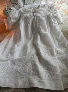 robe de baptême vintage traditionnelle