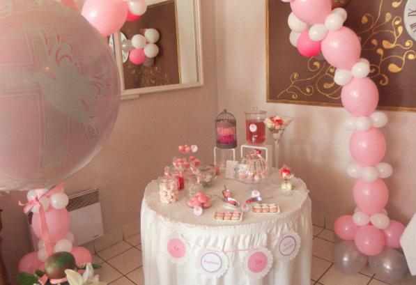 le bapt me traditionnel de ta ssa gabriela en rose et blanc. Black Bedroom Furniture Sets. Home Design Ideas