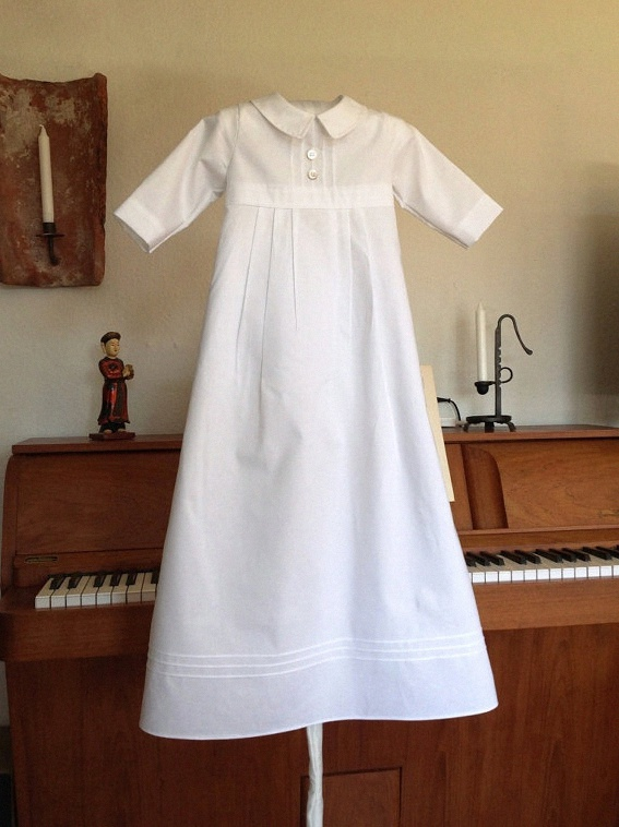 o acheter une robe de bapt me vintage et traditionnelle. Black Bedroom Furniture Sets. Home Design Ideas
