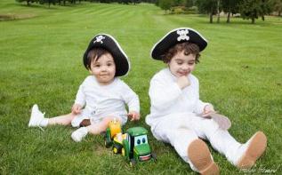 Le baptême de Tristan et William sur le thème des pirates (partie 2)
