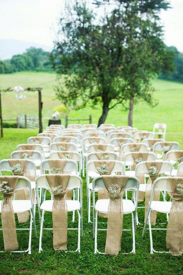 decoration-allee-ceremonie-bapteme-laique-chaises