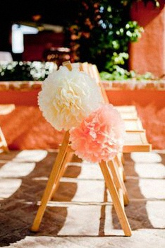 decoration-chaise-ceremonie-laique pompons