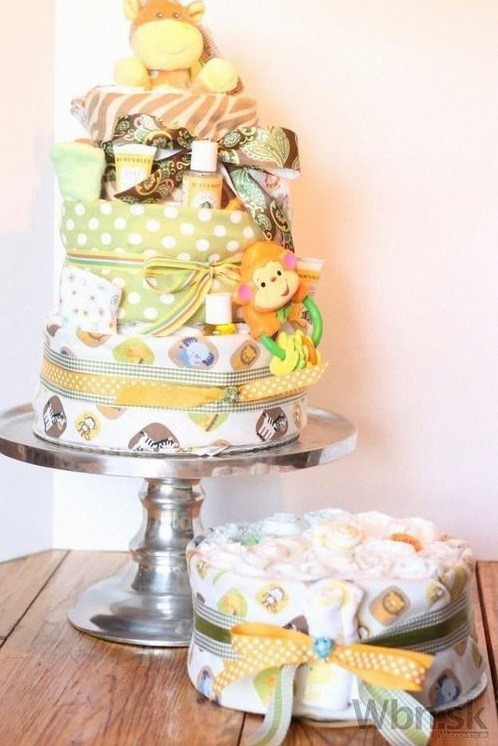 gateau de couches bapteme diaper cake DIY